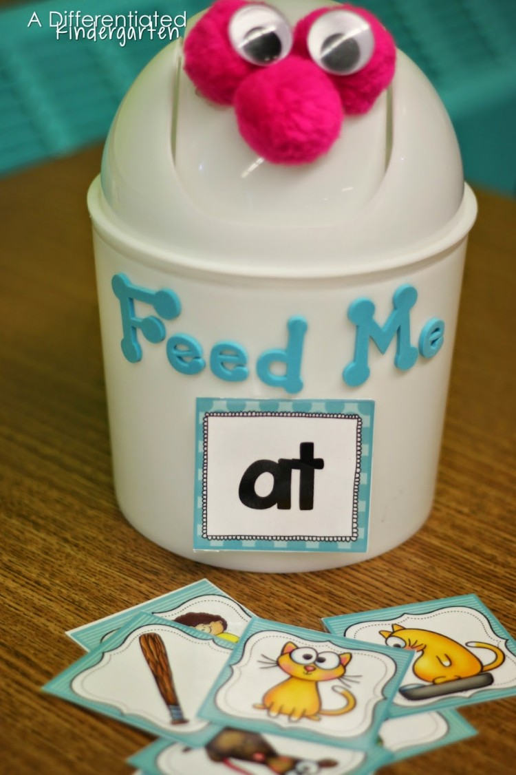 This simple Word Work tool makes sorting Word Families engaging and fun.  It turns your Daily 5, Literacy Centers or Guided Reading time into a game.  So fun to play.