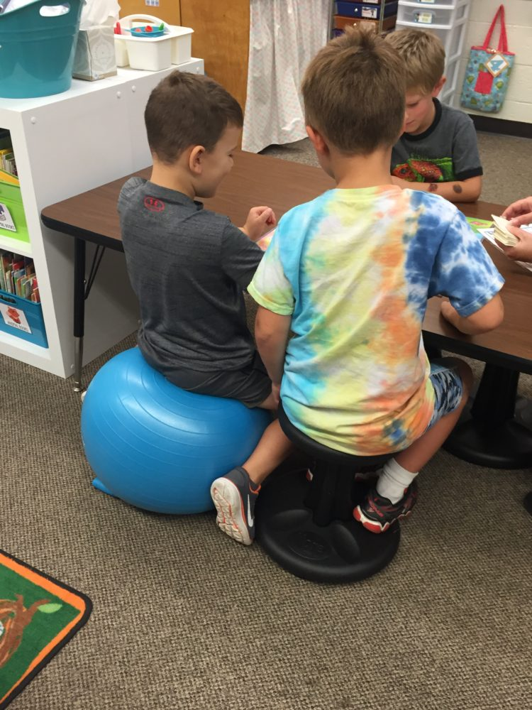 flexible seating in kindergarten - stability balls